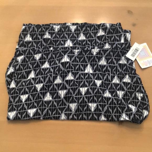 3/$30 LULAROE Azure patterned skirt SZ L BNWT.